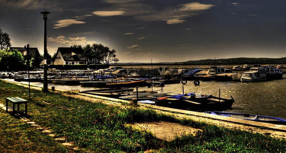Kikötő - Velencei-tó Szállás Ajánlatok